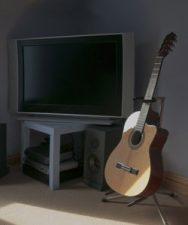 Jouez de la guitare devant la télé !