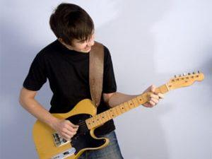 Comment apprendre la guitare en autodidacte ?