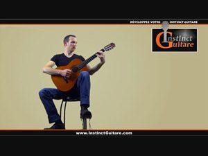 Comment jouer de la guitare assis ?