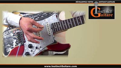 Comment tenir le médiator à la guitare ?